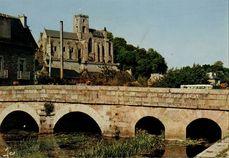 L'église Notre-Dame et le Val |
