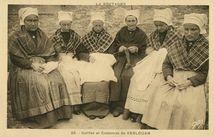Coiffes et Costumes de KERLOUAN |