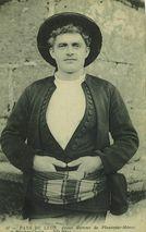 Jeune Homme de Plouécour-Ménez et Pleyber-Christ |