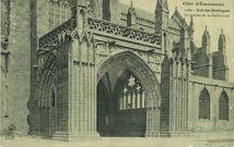 Le porche de la cathédrale |