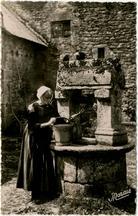 Vieux puits en granit breton |