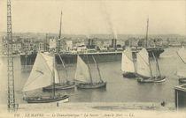 Le Transatlantique La Savoie, dans le Port |