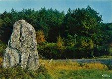Menhir et calvaire de Bodéro |