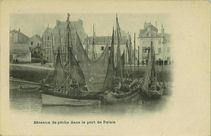 Bâteaux de pêche dans le port de Palais |