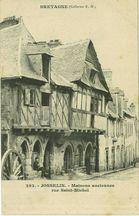 Maisons anciennes rue Saint-Michel |