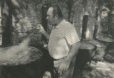 Le Chef goûte le pot-au-feu | Kervinio Yvon