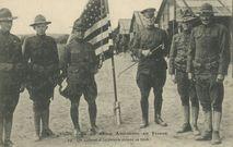 Un Colonel d'Infanterie devant sa tente |
