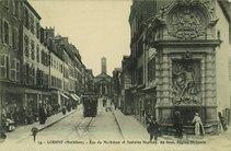 Rue du Morbihan et fontaine Neptune |