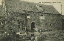 Environs de Gourin - Entrée d'une ferme Bretonne à Kerbiquet |