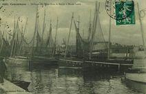 Séchage des Filets dans le Bassin à Marée haute |