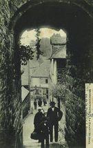 Le Faubrg St-Jean vu de la Porte |