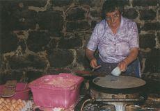 DENISE RIVALLAIN, CREPIERE AU PARDON DE LOCMARIA | Roselli G.