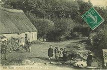 Scaër - Un coin de Ferme Bretonne et Lavoir |