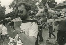 Repas champêtre, procession du cochon grillé 6/1988 | Kervinio Yvon
