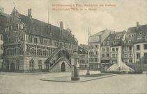 Marktplatz mit Rathaus |