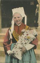 Jeune Femme de Plougastel Daoulas |