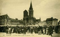 La Place Thiers un jour de marché |
