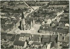 L'Eglise et le Centre du Bourg   Combier