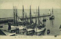 Le Port Tudy, les Jetées |