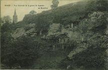 Vue Générale de la grotte de Lourdes en Brandivy |