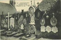 Au cimetière, le coin des Disparus en mer. |