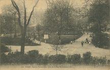 Square Parmentier, pris de la Rue Rochebrune (XIe) |