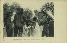 Nouveaux mariés dansant Laridé |