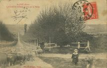 L'Avenue du Château et vue sur la Vallée  
