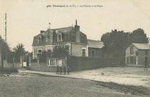 La Mairie et la Place |