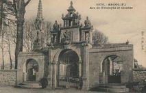Arc de Triomphe et Clocher |