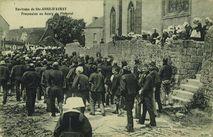 Procession au bourg de Pluneret |