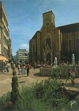 Rue et Eglise Saint-Guillaume |
