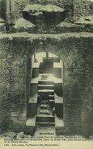 Intérieur de la grande Tour de Largouët (Fenêtre par où se jetta Maxime, l'amoureux de Marguerite, héros du &quot | Bailly Ch.