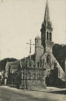 Le Calvaire et l'Eglise |
