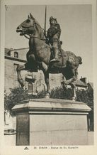 Statue de Du Guesclin |